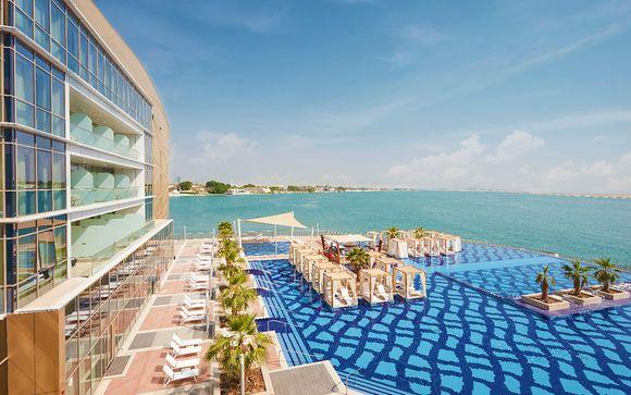 Sofisticato resort fronte mare ad Al Bateen Marina