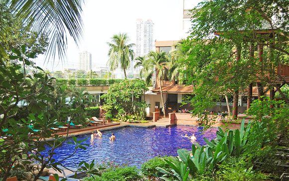 Ramada Plaza Menam Riverside 5* in Bangkok