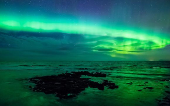 Northern Lights & Jökulsárlón Fly & Drive