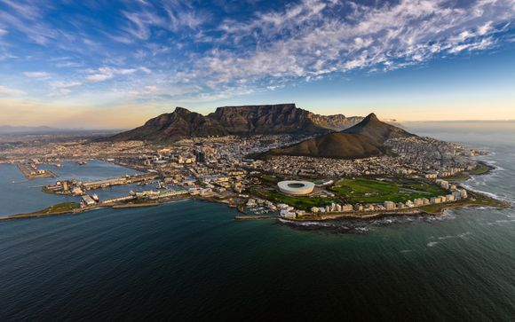 Cape Town, Winelands, Game & Coastal Fly-Drive
