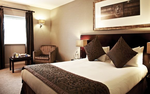 Copthorne Hotel at Chelsea Football Club 4* & Thames River Cruise