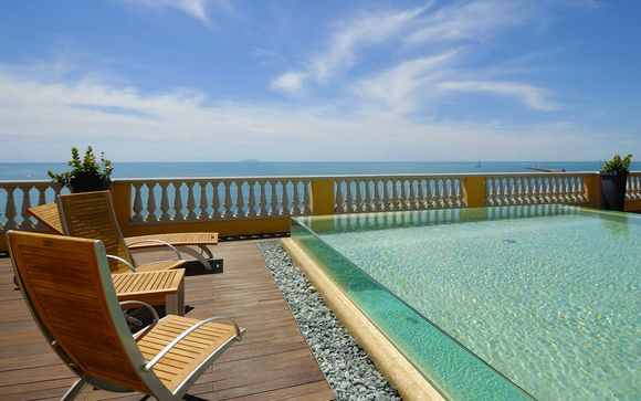 Spectacular Sea Views and Exquisite Luxury