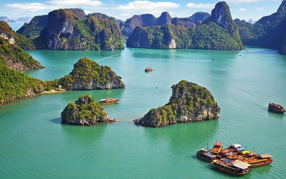 Mosaic of Vietnam Tour with Optional Mui Ne Extensions