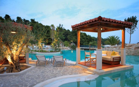 Amfora Hvar Grand Beach Resort 4*