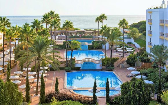 Beachfront Hotel with Exclusive Spa Discounts