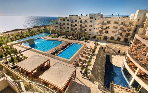 Capital Coast Resort & Spa 4*