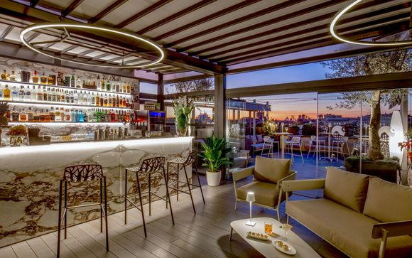 Hotel 4* con terrazza panoramica sulla capitale