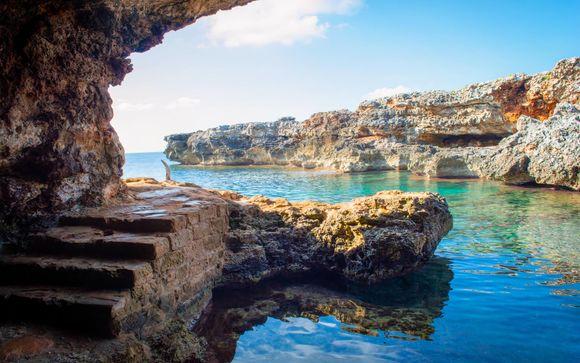 Cala en Bosch, en Menorca, te espera