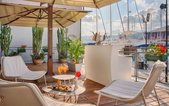 Hotel NH Collection Genova Marina 4*