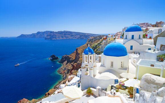 Tramonto e piscina con vista sul mare Egeo