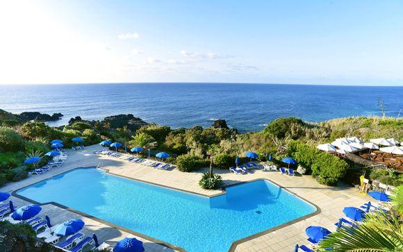 Vista mozzafiato sull'Atlantico da un hotel di lusso in una posizione unica