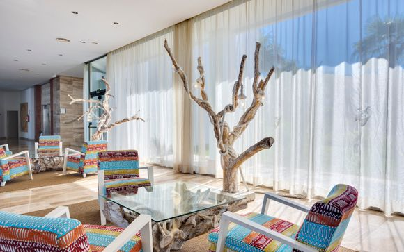 Tropic Garden Hotel & Apartments 4*
