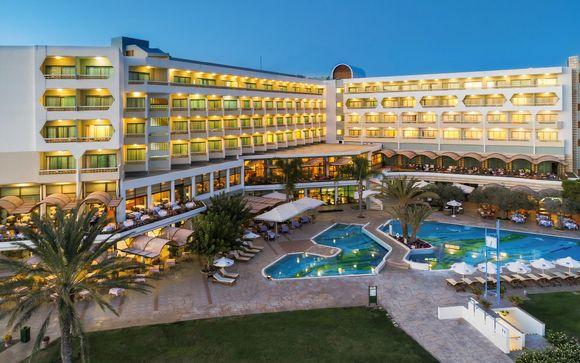 Constantinou Bros Athena Royal Beach Hotel 4*