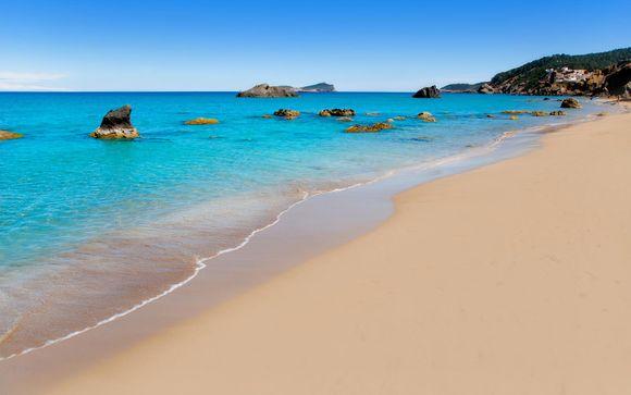 Santa Eulalia, en Ibiza, te espera