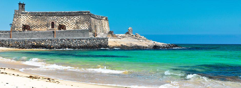 Iscriviti e prenota adesso le tue vacanze in famiglia ad Arrecife!
